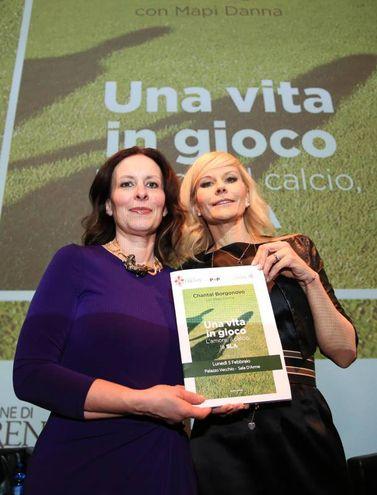 Palazzo Vecchio, presentazione del libro di Chantal Borgonovo in ricordo del marito Stefano. Nella foto da sinistra  Chantal Borgonovo e Mapi Danna(Foto Germogli)