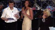 Massimo Ceccherini, Megan Gale e Rafafellla Carrà, Sanremo 2001 (Lapresse)