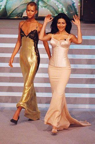 Valeria Mazza e Sabrina Ferilli, Sanremo 1996 (Ansa)