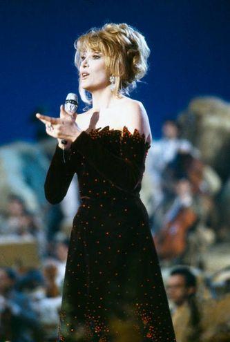 Gabriella Carlucci, Sanremo 1990 (Lapresse)