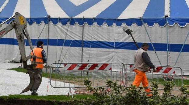 Il «tendone» al Parco degli Ulivi «Anna Frank» che ospiterà gli spettacoli previsti al Guglielmi