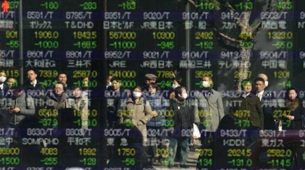 In calo la Borsa di Tokyo (Ansa)