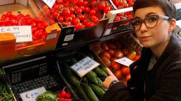 Rincari nel reparto frutta e verdura