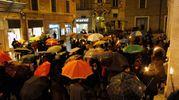 Circa 200 persone alla fiaccolata (Foto Calavita)