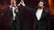 Gianni Morandi e Tommaso Paradiso (Ansa)