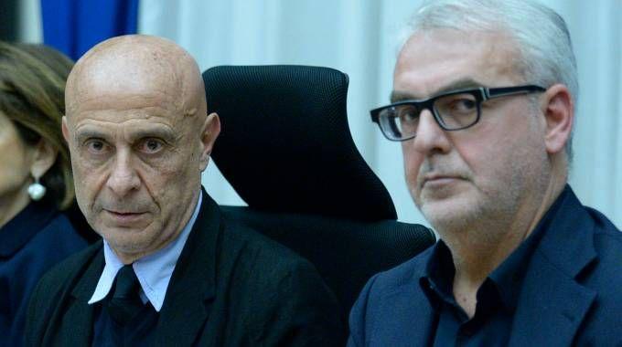 Il sindaco di Macerata Carancini con il ministro dell'Interno Minniti (Foto Calavita)