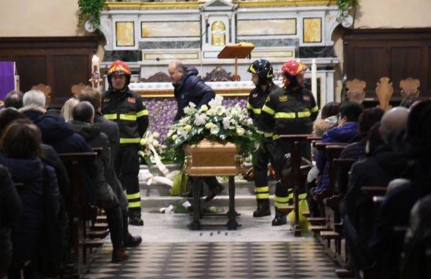 I funerali di Andrea Lucchesi, il giovane investito e ucciso da un pirata della strada in Darsena a Viareggio (Alcide)