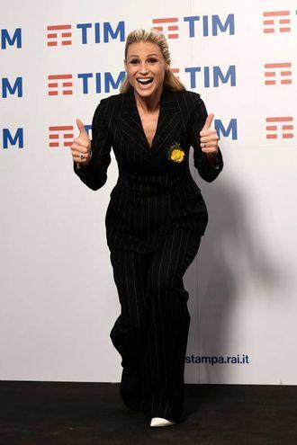 In conferenza stampa Michelle Hunziker veste Ermanno Scervino (LaPresse)