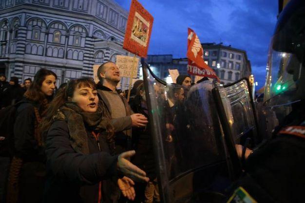 Manifestazione in centro a Firenze contro l'arrivo di Salvini (Giuseppe Cabras/New Press Photo)