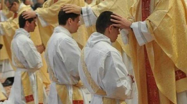 L'ordinazione di nuovi sacerdoti
