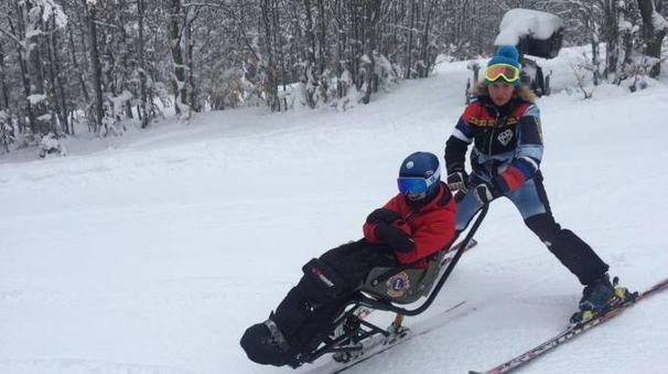 Il 'guscio' che permette ai disabili di sciare