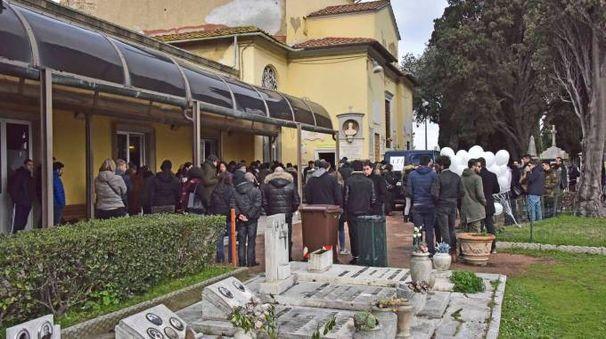 La camera ardente dei due ragazzi morti a Stagno (Novi)