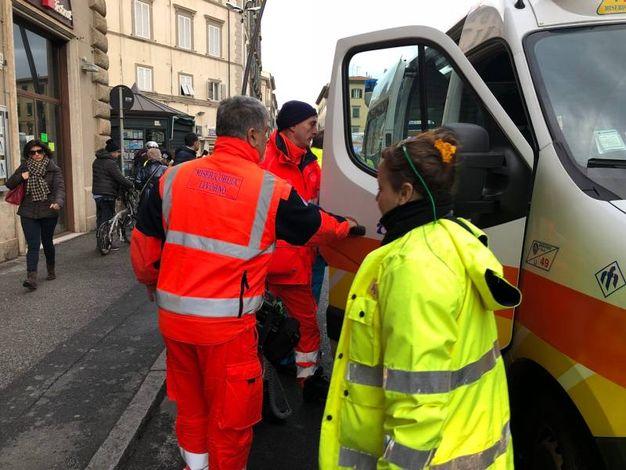 Incidente in via Marradi a Livorno (foto Novi)
