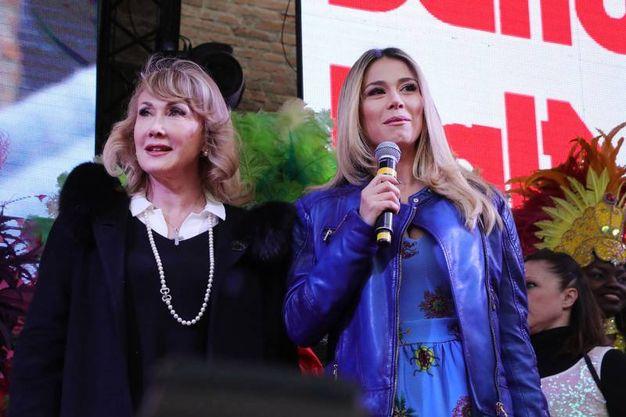 Diletta Leotta, volto di Sky Sport, con la madre (foto Samaritani)