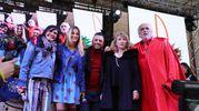 Sul palco della seconda giornata del Carnevale di Cento (foto Samaritani)