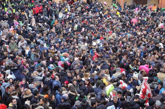Folla (foto Samaritani)
