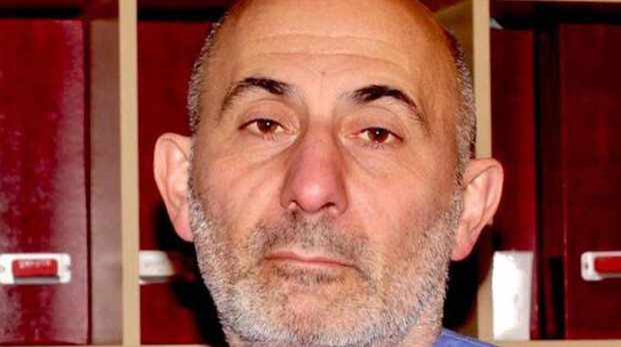 Il professor Laurent Lantieri, a capo dell'equipe dell'Hospital Georges Pompidou (Ansa)