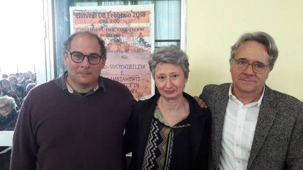I docenti del Fermi (da sx) Alessandro Petri, Rita Mattei, Aldo Bronzini