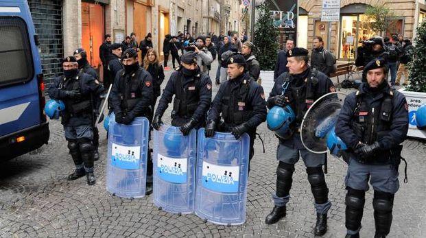 Polizia (Calavita)