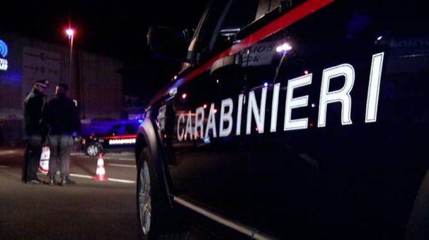 I carabinieri a caccia di impronte utili ad arrivare ai malviventi