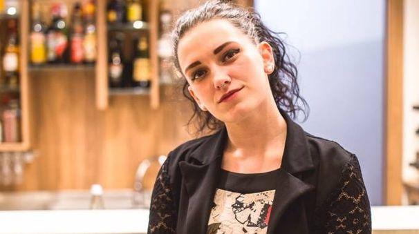 Annalisa Perlini, 20 anni, di Talamona è la voce femminile del gruppo Bei Matei, ossia i bei ragazzi