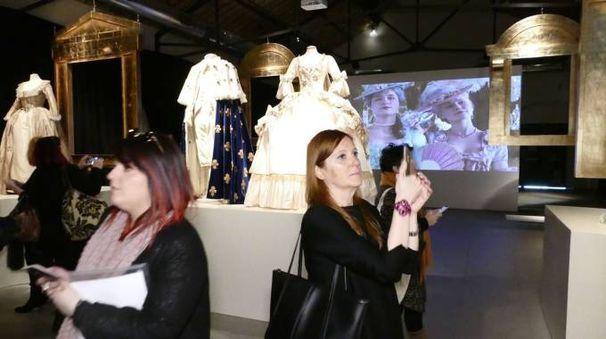 La mostra al Museo del Tessuto (foto Attalmi)