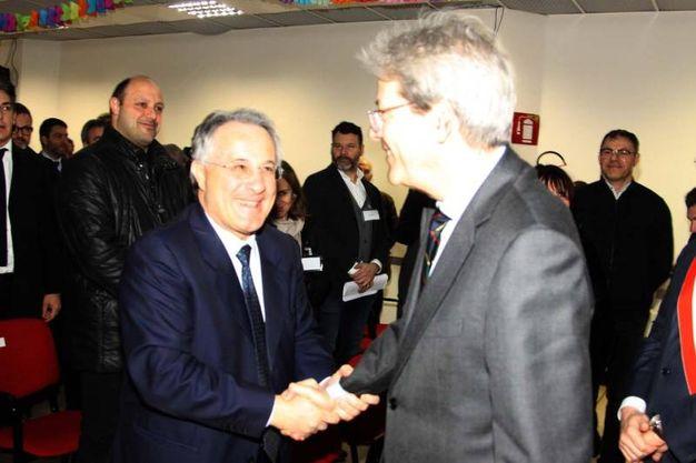 Il premier Paolo Gentiloni in visita ad Ascoli (foto Labolognese)