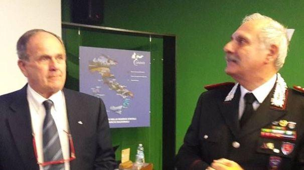 Il sindaco di Portoferraio Ferrari con il comandante Ricciardi
