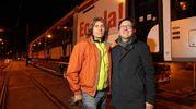 Andrea Bonfanti, conducente del mezzo per il trasporto eccezionale, qui insieme al sindaco Nardella (Giuseppe Cabras/New  Pressphoto)