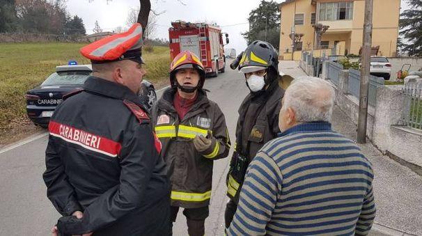 La rottura si è verificata in via Celletta a Poggio Torriana,  dove da ore stanno lavorando vigili del fuoco e tecnici