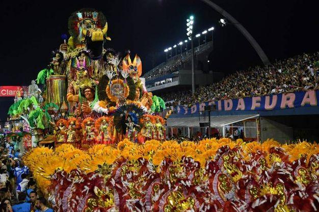 San Paolo, i ballerini della scuola di samba Academicos do Tatuape (Lapresse)