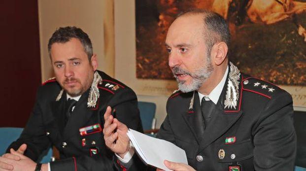 Il tenente colonnello Marco Centola e il capitano Claudio Gallù, comandante della compagnia di Imola