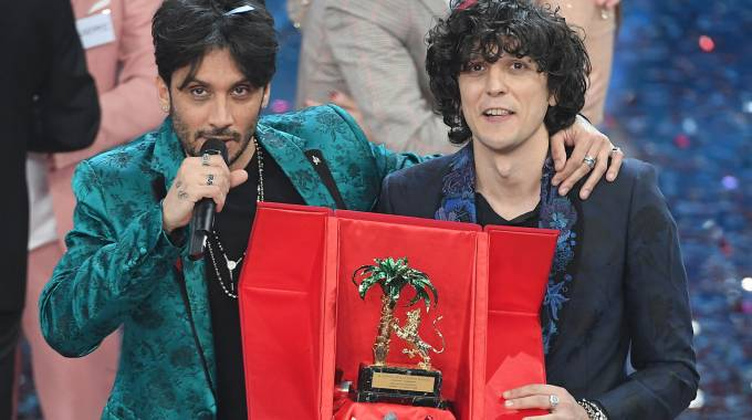 Fabrizio Moro ed Ermal Meta vincono Sanremo 2018 (Lapresse)