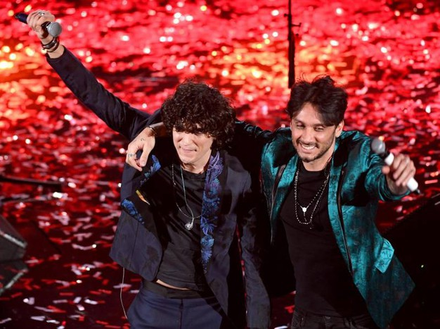 I vincitori Fabrizio Moro ed Ermal Moro (Ansa)