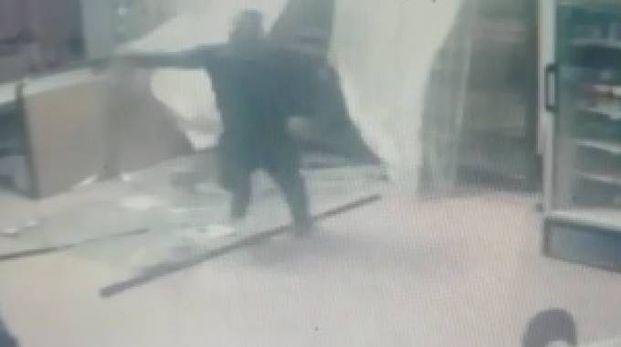 I ladri in azione nel bar di Galciana