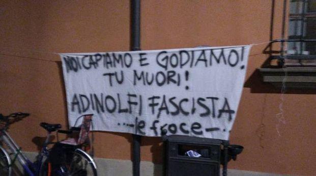 Lo striscione contro Mario Adinolfi