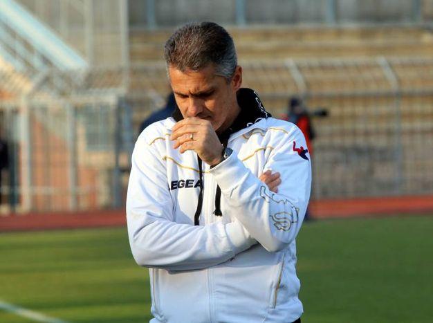 L'allenatore Lopez (Foto Rastelli)