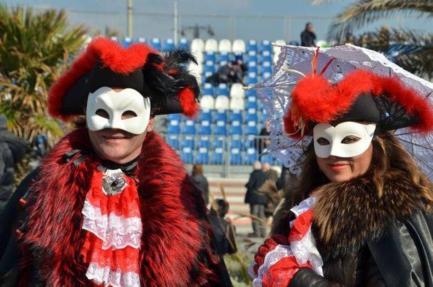 Un momento del corso mascherato (Foto Umicini)