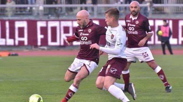 Livorno-Pontedera, un'azione del match (foto Novi)