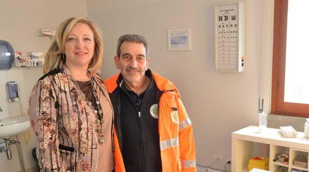 Salvatore Scarola con Ilenia De Marco nel nuovo ambulatorio (Foto Castellani)