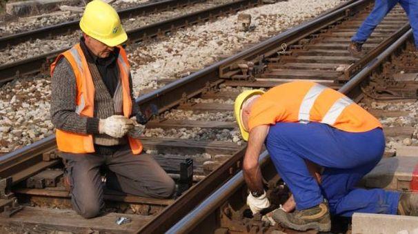 Manutenzione linea ferroviaria (Scardovi)