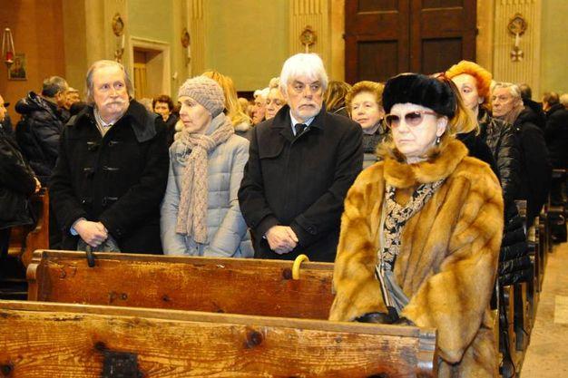 Una folla commossa ha partecipato, questa mattina, ai funerali del giornalista Roberto Armenia. Scomparso all'età di 80 anni, Armenia ha lasciato un grande vuoto nel mondo della cultura modenese e italiana (Foto Fiocchi)