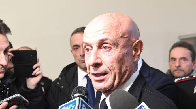 Il ministro dell'Interno Marco Minniti in visita alla caserma dei carabinieri in via delle Armi (Foto Schicchi)