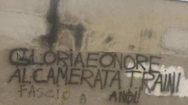 La scritta a Lecco
