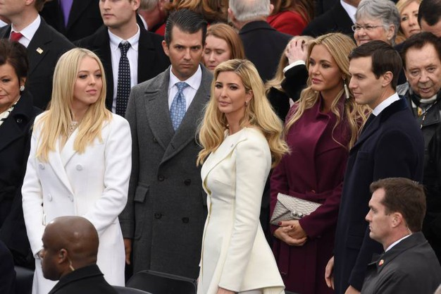 Da sinistra: Tiffany Trump, Donald Trump Jr, Ivanka Trump, Vanessa Trump e Jared Kushner (Afp)