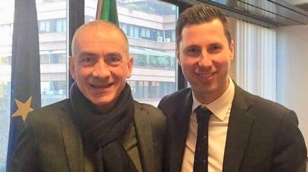 Andrea Costa con l'assessore regionale Giacomo Giampedrone