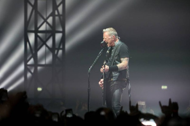 A 37anni dal primissimo concerto i Metallica ricevettero in quell'occasione 16 dollari e il cachet non è l'unica cosa cambiata, come dimostrano i 34 milioni di copie vendute dal loro dico omonimo del '91, il celebratissimo Black Album (Foto Schicchi)