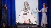 Michelle Obama svela il dipinto insieme alla pittrice Amy Sherald