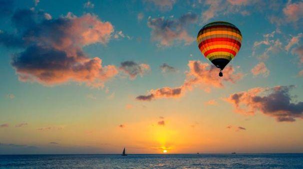 San Valentino, idea viaggio in mongolfiera (Foto: littlestocker/iStock)