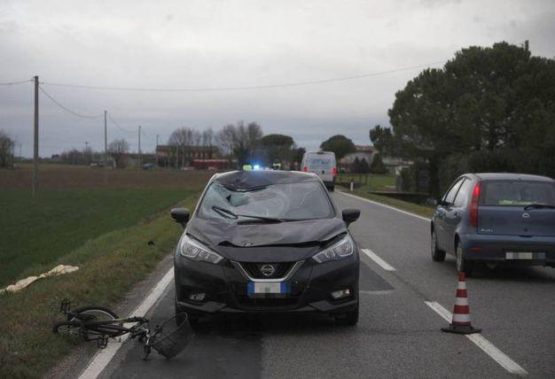 Ciclista investito e ucciso (foto Corelli)
